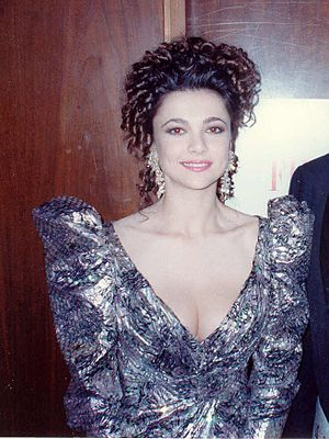 Emma Samms - Samms at the 62nd Academy Awards in 1990