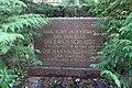 Erich Schmidt (Verleger) - Friedhof Nikolassee - Mutter Erde fec.JPG