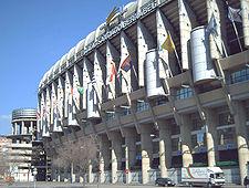 Estadio santiago bernab u wikipedia for Puerta 8 bernabeu