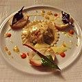 Eu já comi duas vezes o ravioli de frutos do mar que é um prato-assinatura do Gordon Ramsay at Royal Hospital Road (26672111050).jpg