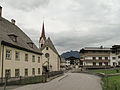 Fieberbrunn, Katholische Pfarrkirche in straatzicht1 foto2 2012-08-07 16.59.JPG