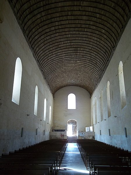 File:Fontaine-le-Comte Abbaye6.JPG