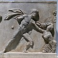 Fragmento del Mausoleo de Halicarnaso (British Museum).jpg