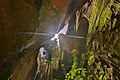 Fresta de luz em caverna.jpg