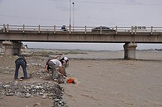 China National Highway 315 - Image: G315 Highway, Hotan Pref., Xinjiang, China Digging for jade