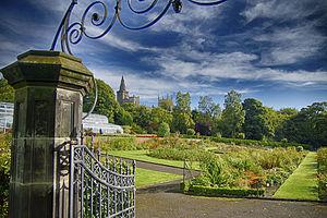 Pittencrieff Park - Gardens in Pittencrieff Park