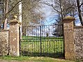 Gates to the former entrance to Fifehead House - geograph.org.uk - 348145.jpg