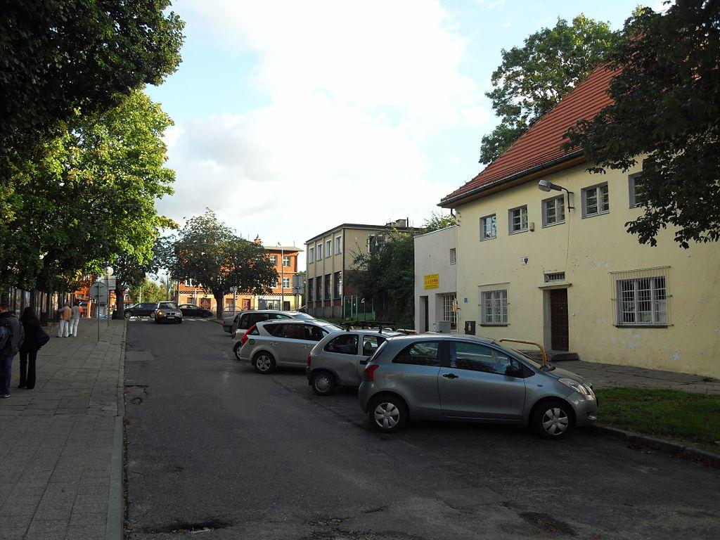 1024px-Gda%C5%84sk_ulica_Kanapariusza.JPG