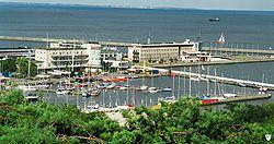Widok z Kamiennej G�ry na port jachtowy