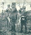 General Cadorna opazuje s častniki svojega generalnega štaba razvoj bojev za vzhodno Gorice.jpg