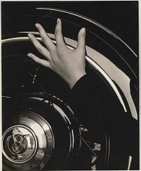 Georgia O'Keeffe—Hand and Wheel MET DP233003.jpg
