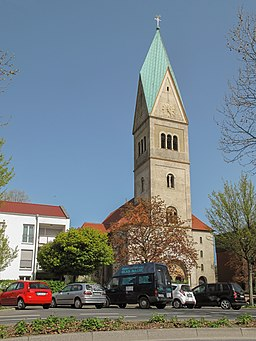 Gladbeck, kerk foto2 2011 04 10 12.25
