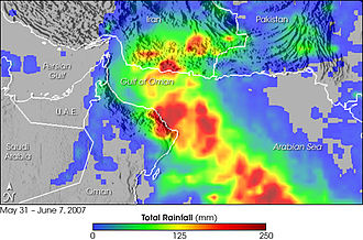 Cyclone Gonu - Map showing rainfall totals around the Gulf of Oman between May 31 and June 7, 2007. The red areas show where rainfall exceeded 200 mm (8 inches).