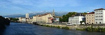 Grenoble panorama 2012.jpg