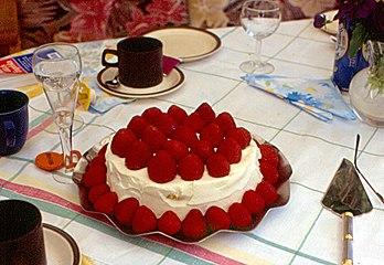 Strawberry Snake Cake Recipe