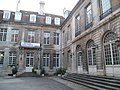 Hôtel Terrier-Santan (cour).jpg