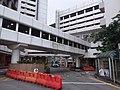 HK 香港南區 Southern District 薄扶林道 Pokfulam Road 瑪麗醫院 Queen Mary Hospital footbridge June 2019 SSG 01.jpg