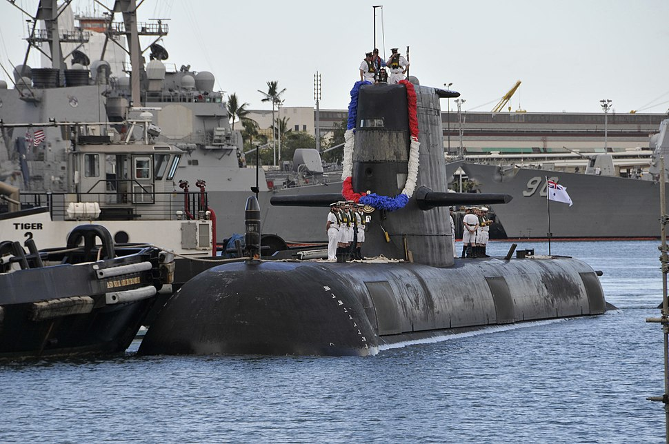 Farncomb arriving at Pearl Harbor, Hawaii ahead of the RIMPAC 2012 exercise