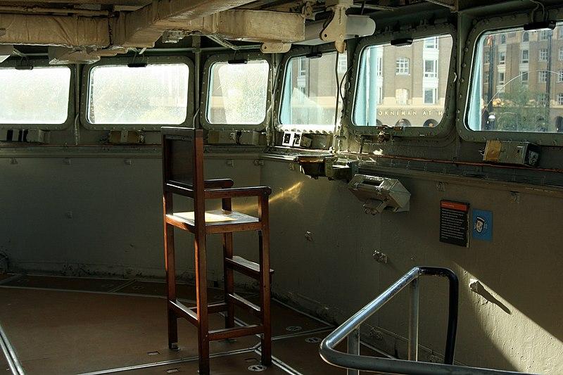 File:HMS Belfast - Admiral's bridge.jpg