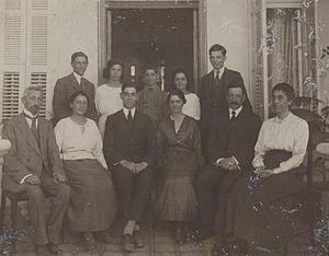 Edwin Samuel, 2nd Viscount Samuel - Hadassa and Edwin Samuel in a family picture with Herbert Samuel