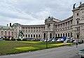 Heldenplatz, devastated lawn 02.jpg