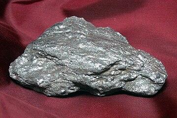 Hematite grise terrestre.jpg