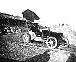 Henri Rougier, vainqueur de la course de côte du Mont Ventoux 1904 sur Turcat-Mery.jpg