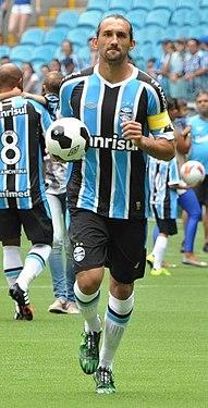 Centro-avante Hernán Barcos é o segundo maior artilheiro da Arena do  Grêmio. Atuou pelo clube entre 2013 e 2015. 7499ecaa4954e