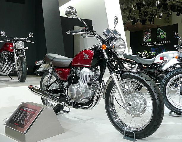 Honda Cb Vs Yamaha Fz