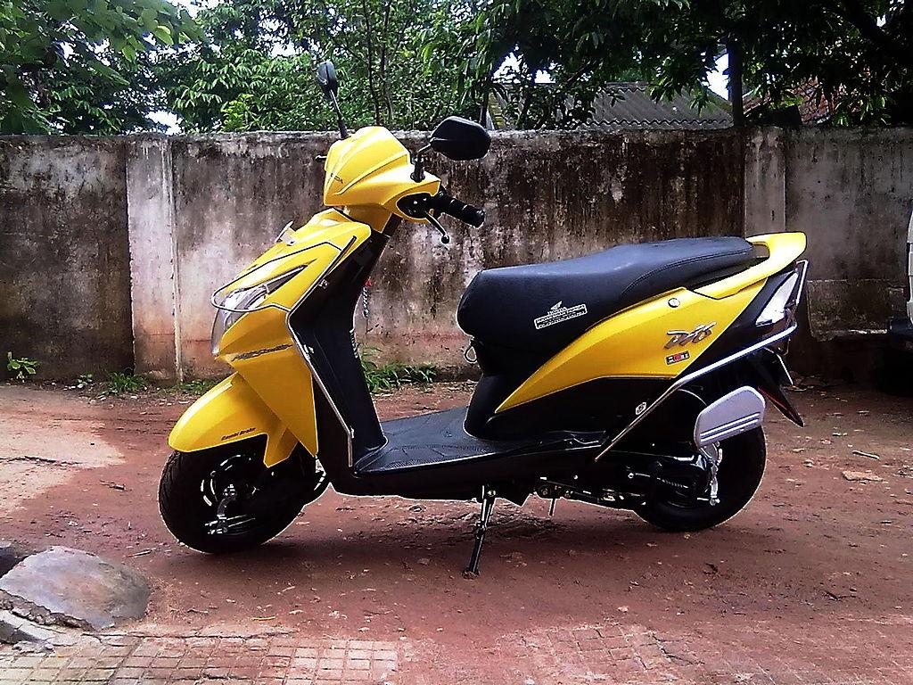 Yamaha Scooty For Men