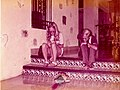 Hotel Mayaland Chichen Itza Junio 1973 - Siblings and parrot 1.jpg