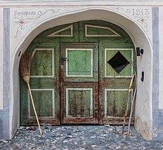 Houten deur van een woonhuis in Guarda. 20-09-2019. (actm.).jpg