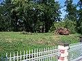 Hradčany, zahrada ministerstva obrany, od zastávky Pražský hrad.jpg