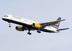 Icelandair.b757-200. tf-fin.arp.jpg