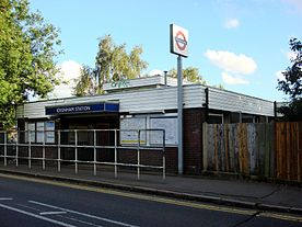 Ickenham tube station 1.jpg