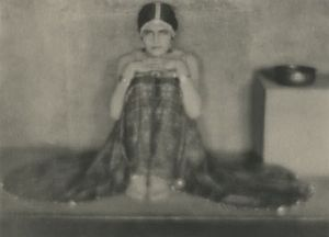 Tina Modotti - Image: Jane Reece Have Drowned My Glory in a Shallow Cup (Tina Modotti) 1919