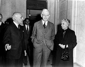 Harold W. Dodds - Dodds with Indian Prime Minister Jawaharlal Nehru and Ambassador Vijaya Lakshmi Pandit.