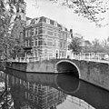 Jorisbrug vanaf Oude Delft, overzicht - Delft - 20048673 - RCE.jpg