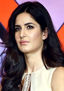 Katrina Kaif at DHOOM 3 press conference.jpg