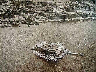 Kellett Island - View of Kellett Island, with Royal Hong Kong Club Building and Pier, in 1948.
