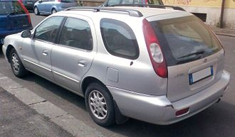 Kia Credos - Kia Clarus station wagon