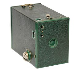 Kodak Brownie Model F (4187529811).jpg