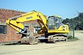 Komatsu PC200 excavator (34970228724).jpg