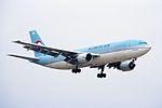 Korean Air Lines Airbus A300B4-622R (HL7298-614) (29185957191).jpg
