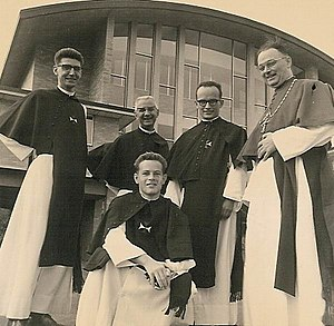 Canons Regular of the Order of the Holy Cross - Image: Kruisheren 1964 Canons Regular of the Order Sanctae Crucis