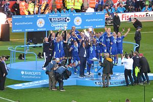 2015–16 Leicester City F.C. season - Leicester City lifting the Premier League trophy