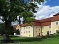 Laberweinting-Ensemble-Kirchplatz.jpg