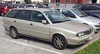 https://upload.wikimedia.org/wikipedia/commons/thumb/1/13/Lancia_Dedra_SW_1.9_td.JPG/200px-Lancia_Dedra_SW_1.9_td.JPG