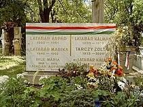 Latabár Kálmán és Árpád sírja.jpg