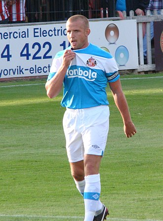 Lee Cattermole - Cattermole playing for Sunderland in 2011